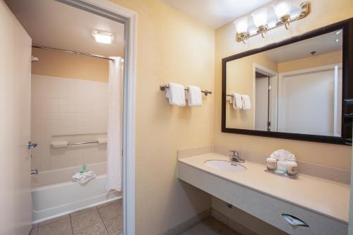 A bathroom at staySky Suites I-Drive Orlando Near Universal
