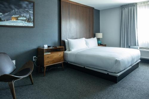 A bed or beds in a room at Park City Peaks