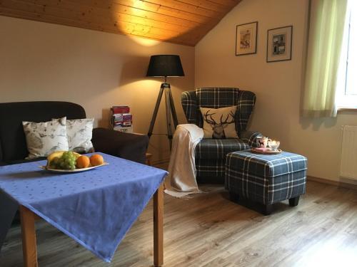 Ein Sitzbereich in der Unterkunft Ferienwohnung Haus Friederike ab 6 Übernachtungen, inclusive Meine Card Plus
