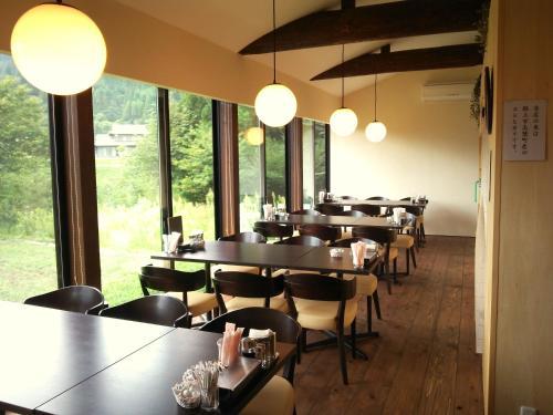 宿Cafeレンタル 小左エ門にあるレストランまたは飲食店