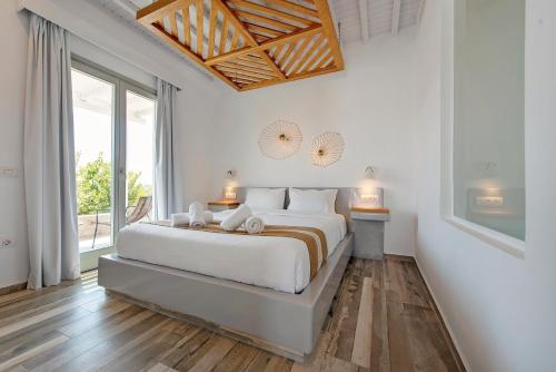 A bed or beds in a room at Osom Resort