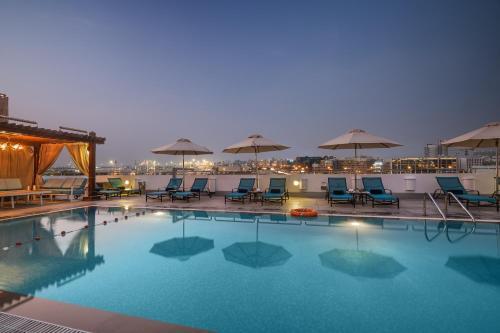 Bazén v ubytování Hilton Garden Inn Dubai Al Mina - Jumeirah nebo v jeho okolí