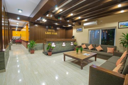 The lobby or reception area at Hotel Lake Star