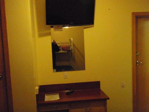 A television and/or entertainment center at Hotel South Otago