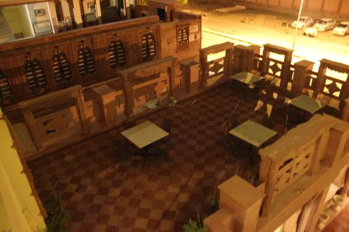 A restaurant or other place to eat at Hotel Desert Winds