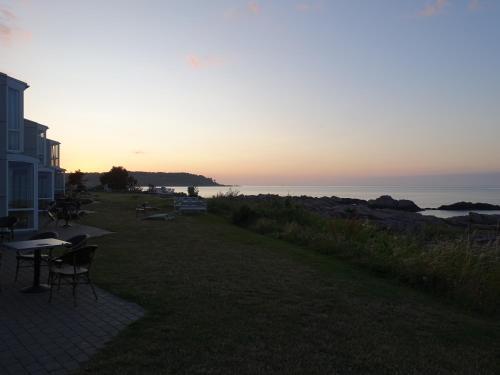 Solopgangen eller solnedgangen set fra lejligheden
