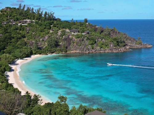 Four Seasons Resort Seychelles с высоты птичьего полета