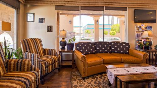 A seating area at Best Western Rancho Grande