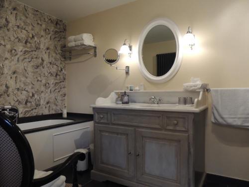 A bathroom at Bed & Breakfast Het Zilte Zand - Westende - Middelkerke - De Kust