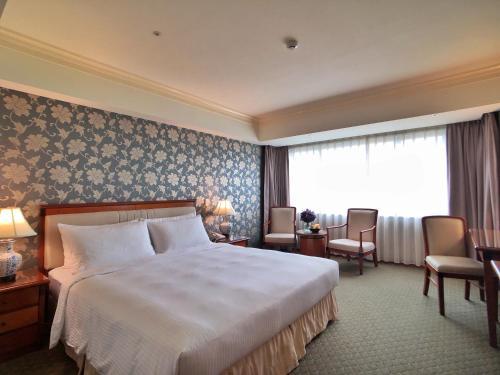 長榮桂冠酒店(台中)房間的床
