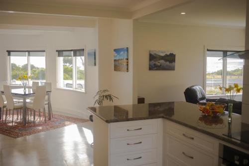 A kitchen or kitchenette at Seaside Retreat
