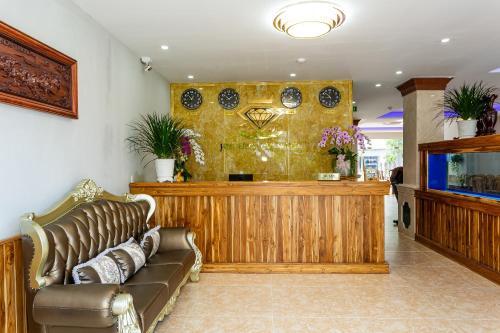 The lobby or reception area at OYO 326 Kim Ngoc Pq Hotel