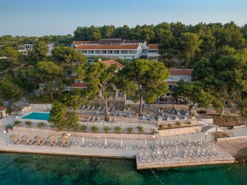 A bird's-eye view of Hotel Milna Osam - Adults Only