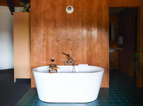 A bathroom at Captain Whidbey Inn
