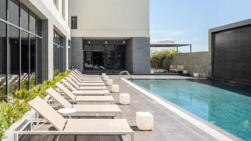 The swimming pool at or near Delta Hotel Apartments