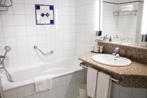 A bathroom at Vichy Celestins Spa Hotel