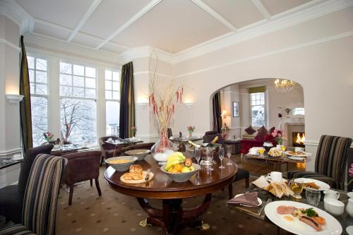 A restaurant or other place to eat at Windermere Boutique Hotel