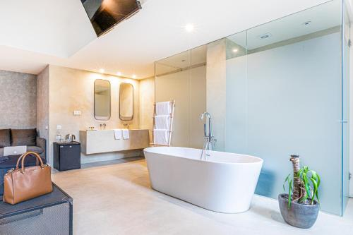 A bathroom at Casa Lirio