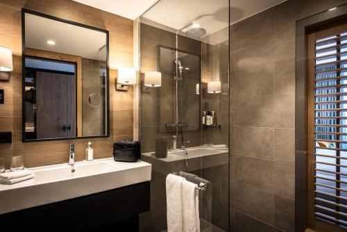Salle de bains dans l'établissement AMERON Neuschwanstein Alpsee Resort & Spa