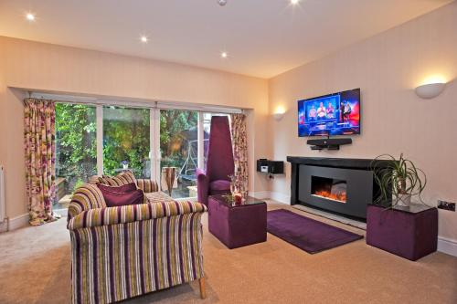A seating area at Windermere Boutique Hotel