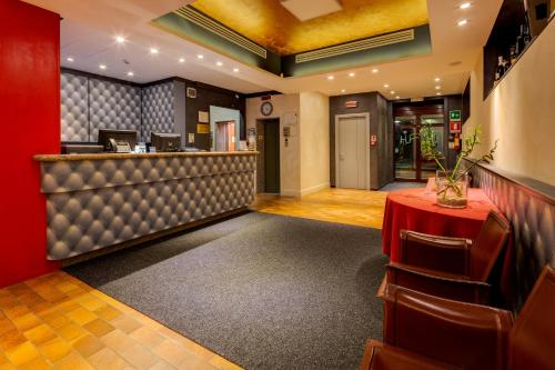 The lobby or reception area at Jet Hotel, Sure Hotel Collection by Best Western