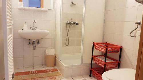 A bathroom at Ingrid Panzió