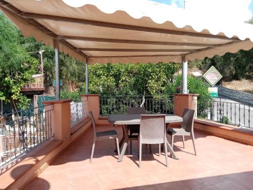 A balcony or terrace at Casa Vacanze Maraldo