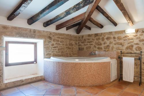 A bathroom at Hotel Can Simo