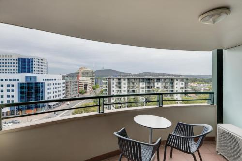 A balcony or terrace at Adina Serviced Apartments Canberra James Court