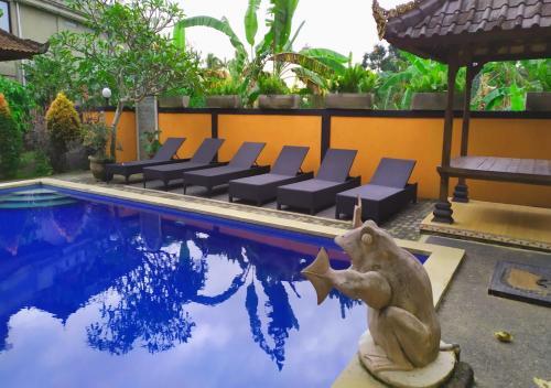 The swimming pool at or near Swan Inn