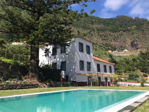 Casa Oliveira Esmeraldo - Guest Houses