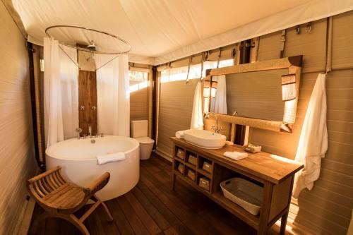 A bathroom at Turon Gates - Eco-Retreat