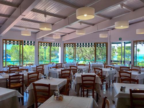A restaurant or other place to eat at Hotel Paradiso
