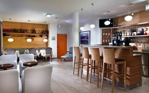 The lounge or bar area at Hotel Agneshof Nürnberg