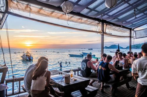 A restaurant or other place to eat at Ban's Diving Resort - SHA Plus