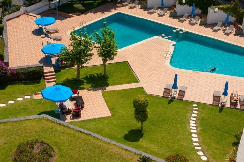 A view of the pool at Barcelo Tanger or nearby