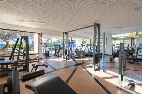 Het fitnesscentrum en/of fitnessfaciliteiten van Hotel THe Risco Del Gato Suites
