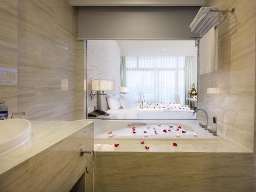 Ванная комната в Diamond Bay Hotel