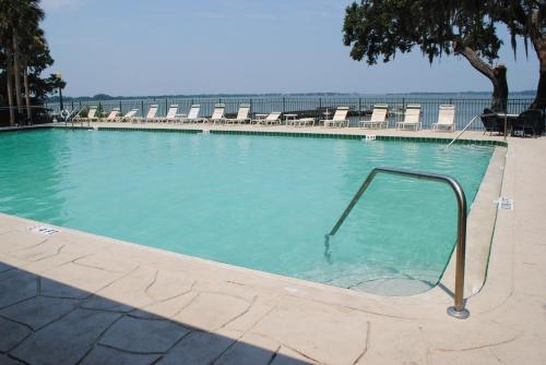 The swimming pool at or near Lakeside Inn on Lake Dora