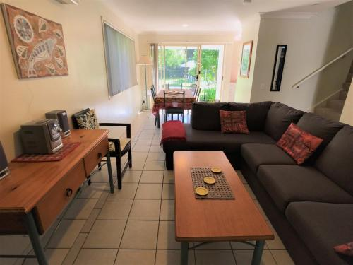 A seating area at Treetops Lakeside Apartments