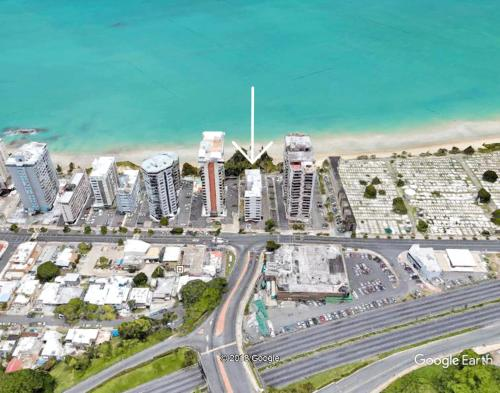 A bird's-eye view of Beach Front Apt 5 at Isla Verde Tower