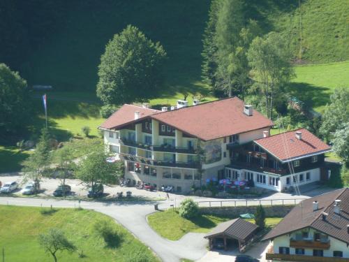 Blick auf Alpenhotel Beslhof aus der Vogelperspektive