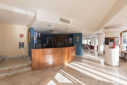 The lobby or reception area at Best Western La Baia