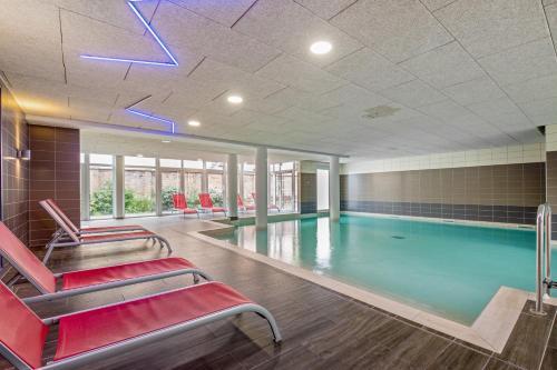 The swimming pool at or near Résidence Pierre & Vacances La Petite Venise