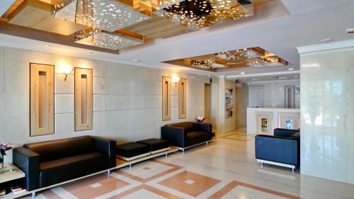 The lobby or reception area at Royal Sun