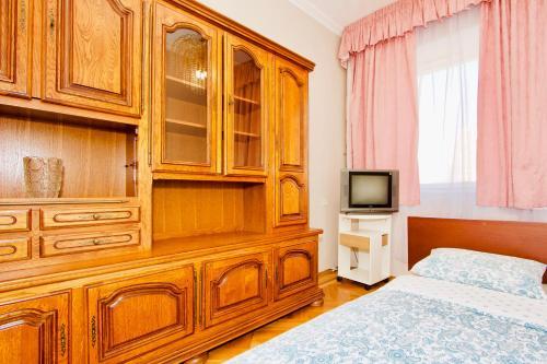 Телевизор и/или развлекательный центр в Апартаменты на Пролетарской для 6 гостей
