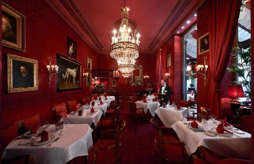 מסעדה או מקום אחר לאכול בו ב-Hotel Sacher Wien