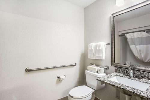 A bathroom at MainStay Suites Cedar Rapids