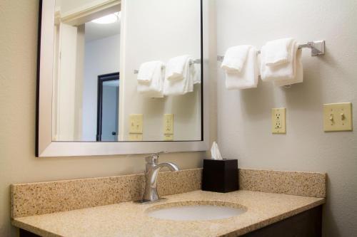 A bathroom at La Quinta by Wyndham Fairbanks Airport