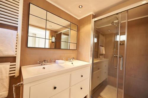 A bathroom at Villa Magnolia